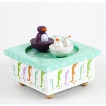 Houten muziekdoos met dansende pinguins