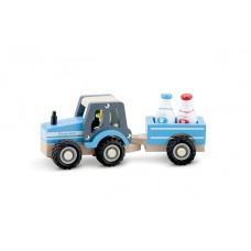 Houten tractor met aanhanger en melkbussen