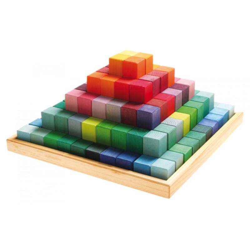Gigantische trappenpyramide, Grimm's
