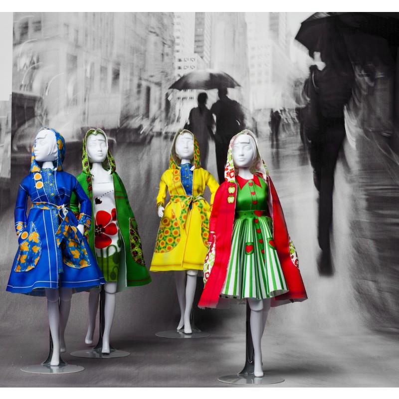 In de regen, Dress Your Doll